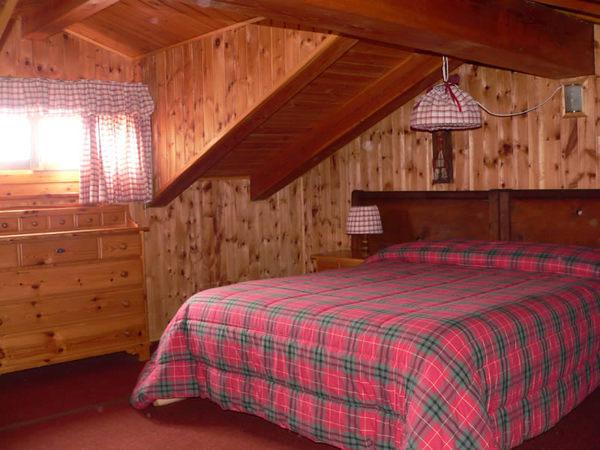 Des coeurs appartamenti bed breakfast appartamenti petit coin de paradis vetan ao - Camere da letto di montagna ...